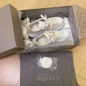 Alexander McQueen Shoes - Alexander McQueen Bicolor Leather Low-Top Sneakers